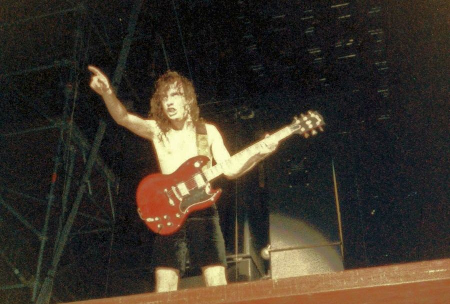 MOR Angus Young - ACDC